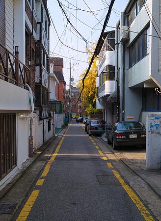 Narrow street, Gangnam