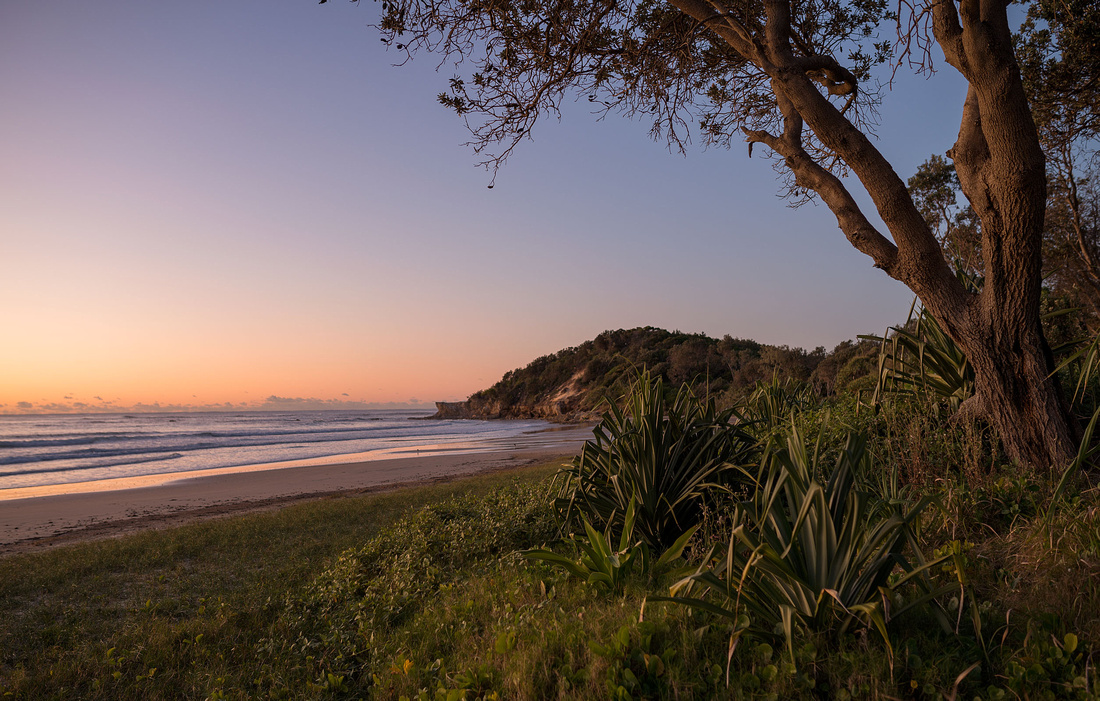 Illaroo Beach before sunrise